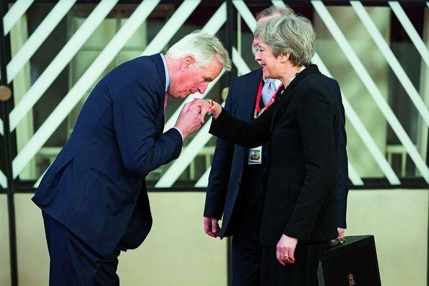 Michel Barnier, négociateur en chef du Brexit, et Theresa May.