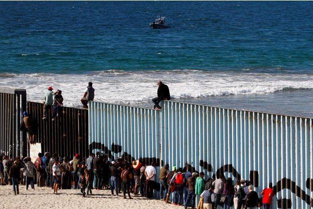 Les premiers migrants sont arrivés à la frontière entre le Mexique et les Etats-Unis, à Tijuana.