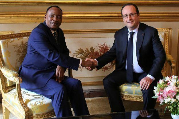 Le 14 juin 2016, le président Hollande accueille le son homologue nigérien Mahamadou Issoufou au Palais de l'Elysée.
