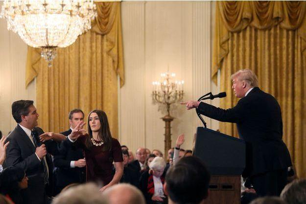 Jim Acosta et Donald Trump à la Maison-Blanche, le 7 novembre 2018.
