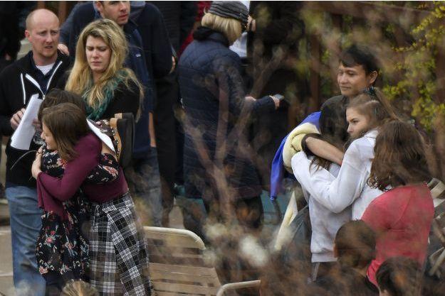 La fusillade s'est produite dans un lycée de Highlands Ranch, dans le Colorado.