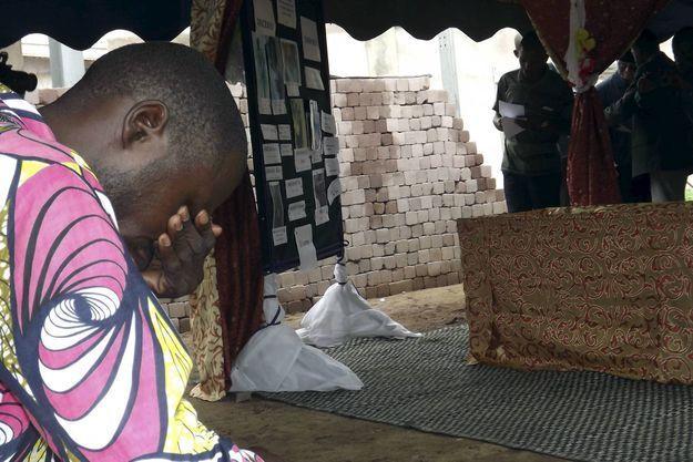 Enterrement d'une victime le 30 octobre 2015, à Brazzaville. Les violences policières ont débuté il y a presque un an lors du référendum ayant permis à Denis Sassou Nguesso de se présenter une nouvelle fois à l'élection présidentielle en 2016.