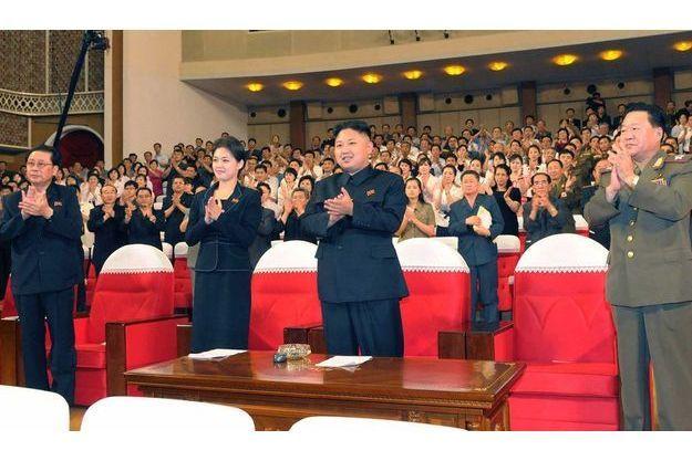 Kim Jong-Un et sa mystérieuse amie à un concert, vendredi dernier.