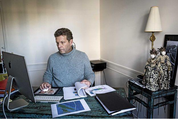 Ghyslain Wattrelos, chez lui, dans son bureau, en février 2018.