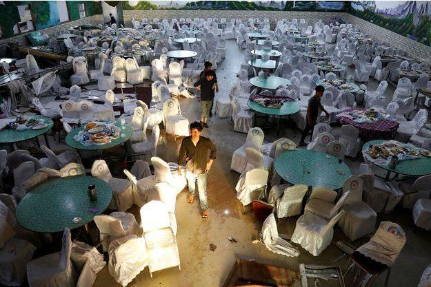 Une des salles du mariage à Kaboul, où un kamikaze de Daech a fait un attentat suicide.