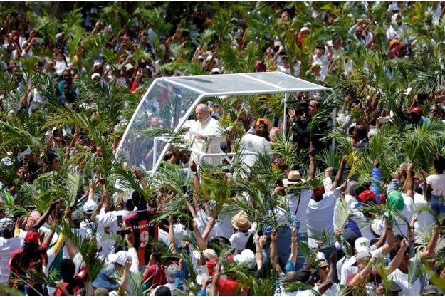 Dans l'Océan Indien, le pape François au chevet des plus pauvres
