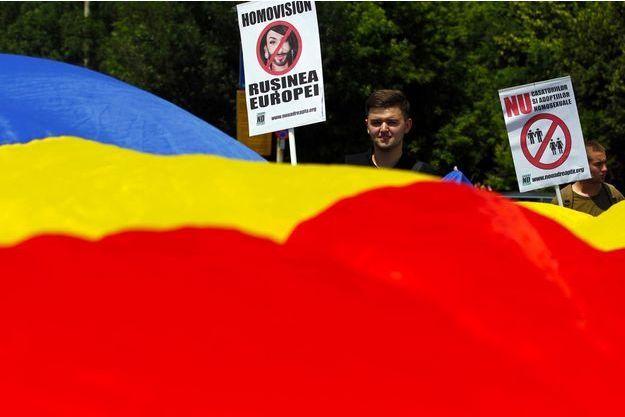 Manifestation homophobe à Bucarest, en juin 2014.