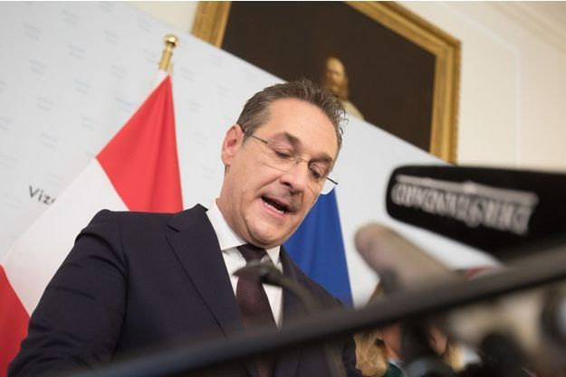 Heinz-Christian Strache, en conférence de presse samedi.