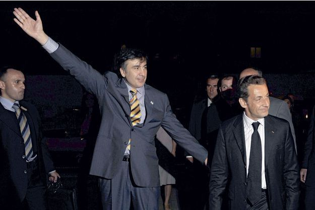 Mikhaïl Saakachvili accueille Nicolas Sarkozy à Tbilissi, le 12 août 2008