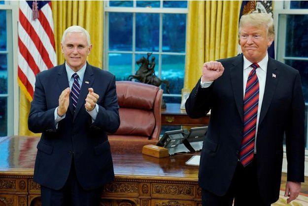 Donald Trump aux côtés de Mike Pence le 19 janvier 2019.