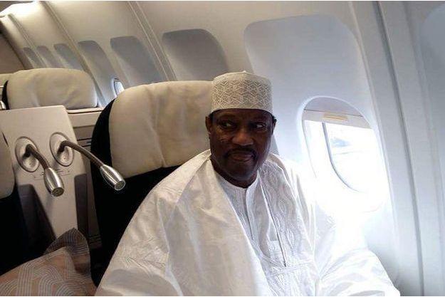 Hama Amadou le 14 novembre dans l'avion qui le ramène à Niamey.