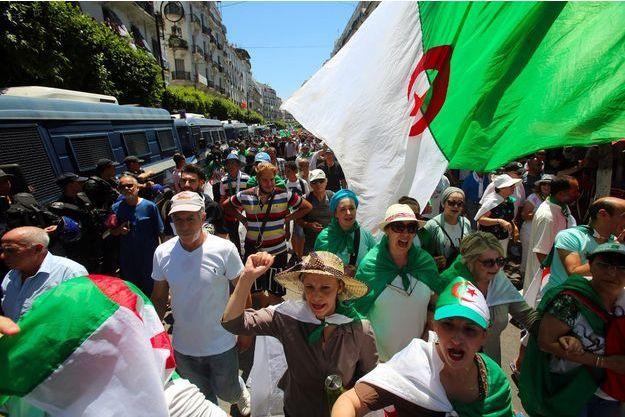 En Algérie, les étudiants dans la rue pour un 19ème mardi consécutif