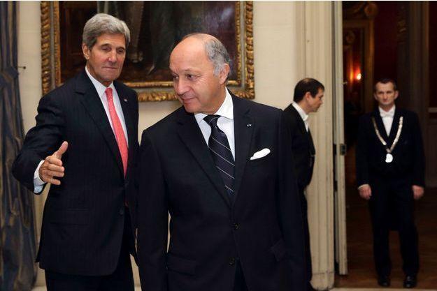 John Kerry et Laurent Fabius au Quai d'Orsay, mardi.