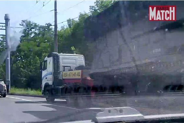 Un sytème lance-missile BUK est photopgraphie par l'équipe de Paris-Match en banlieue de Donetsk, sur la route menant à Snijne le matin du 17 juillet, quelques heures avant le crash du vol Malaysia Airlines MH17.