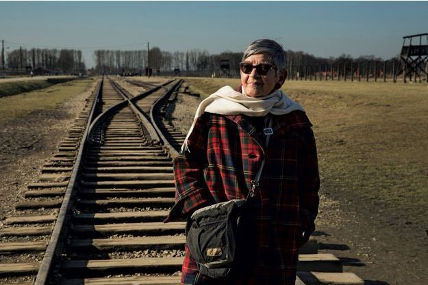 Dimanche 17 février, à l'entrée du camp d'Auschwitz-Birkenau. Plus d'un million de personnes y ont péri, principalement des Juifs et des Tsiganes.