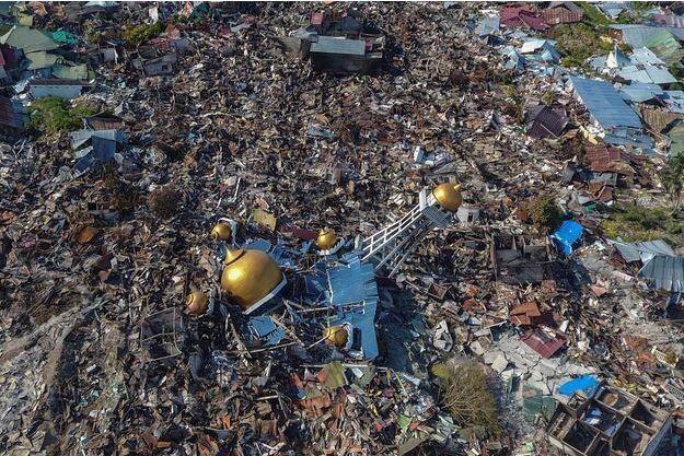Image aérienne de la ville de Palu, en Indonésie.