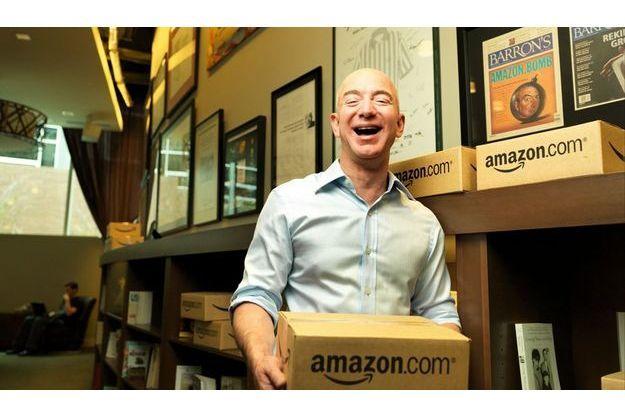 Jeff Bezos peut sourire dans la salle de repos de son site de Seattle : il est le maître du monde virtuel.