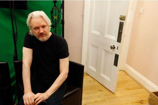 Le 28 mars 2014, Paris Match a rencontré Julian Assange à Londres avec Eva Joly.