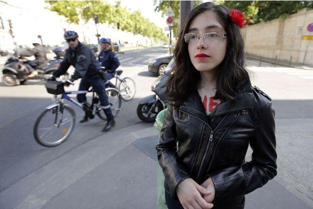Au quotidien, Aliaa Elmahdy n'a pas l'air de la militante provocatrice que l'on connait.