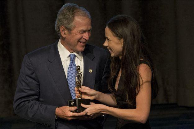 George W. Bush et sa fille Barbara, en juin 2015.