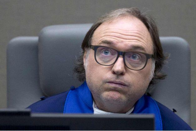 """""""Ce qui s'est produit est de la plus haute et plus inexcusable gravité"""", a déclaré le juge Cuno Tarfusser avant de présenter ses excuses au nom de la CPI à la reprise du procès ce lundi."""