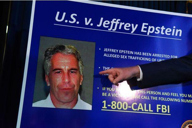 Lors d'une conférence de presse à New York, le 8 juillet, après l'arrestation de Jeffrey Epstein.