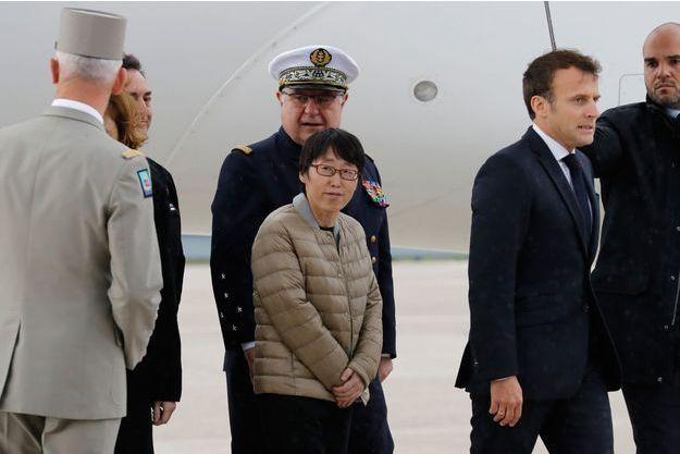 L'ex-otage, sud-coréenne, lors de son arrivée à Paris samedi.