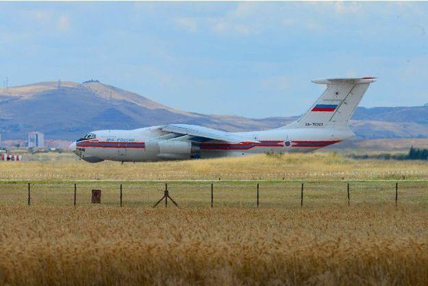 Un avion russe transportant une partie des missiles livrés à la Turquie.