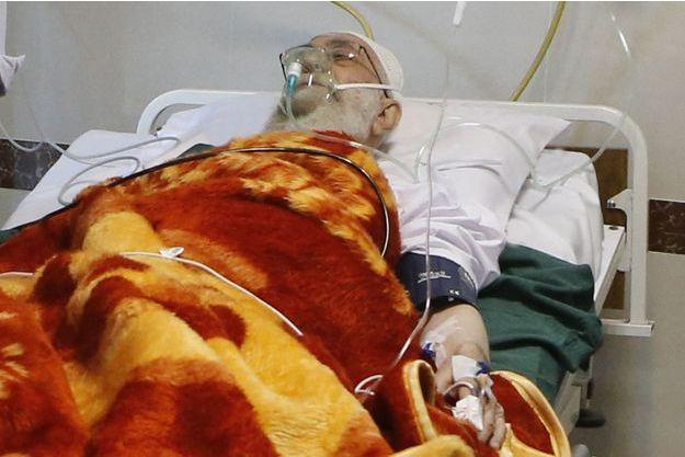 L'ayatollah Ali Khamenei sur son lit d'hôpital.