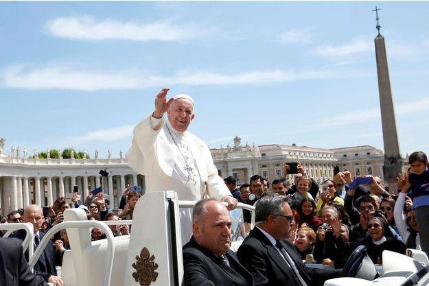 Le pape François le 8 mai.