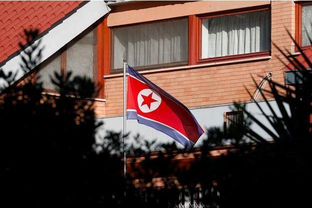 Devant l'ambassade nord-coréenne à Rome, le 3 janvier 2019.