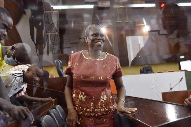 Simone Gbagbo, une fois de plus tout sourire lors de l'audience du 9 mai 2016 à Abidjan.