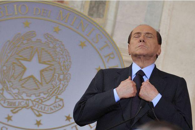 Silvio Berlusconi est à nouveau visé par une enquête.
