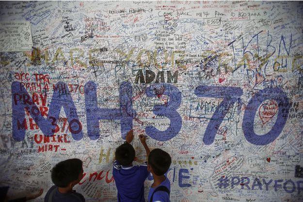 Le MH370 comptait 239 personnes à bord.
