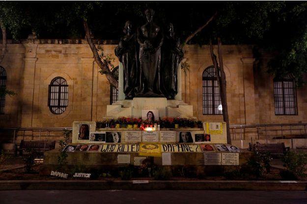 Un mémorial érigé en l'honneur de la journaliste Daphne Caruana Galizia, tuée à Malte.