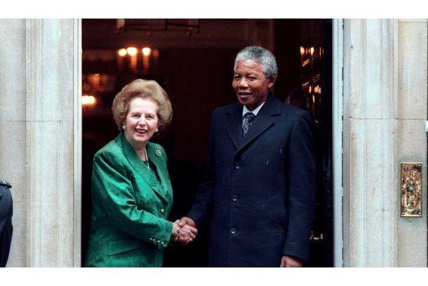 La première rencontre entre Margaret Thatcher et Nelson Mandela le 4 juillet 1990 au 10 Downing Street.