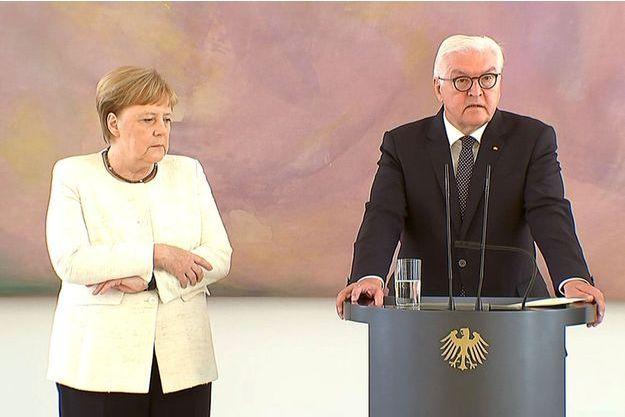 Angela Merkel a de nouveau été prise de tremblements jeudi.