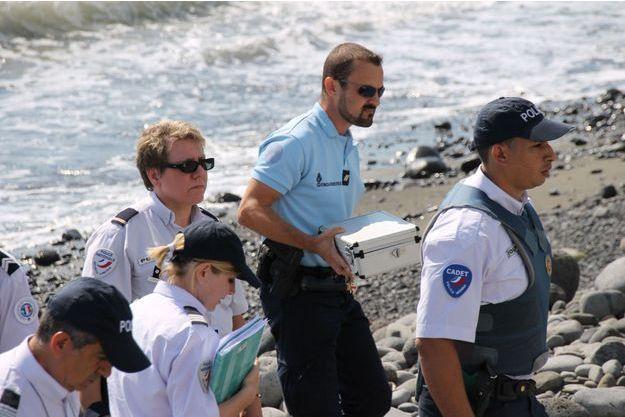 Les gendarmes ont trouvé de nouveaux débris le week-end dernier.