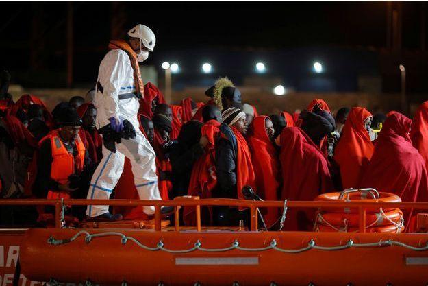 Des migrants secourus à Malaga.