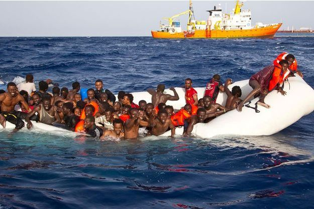 Au large des côtes libyennes, 108 personnes sont sauvées in extremis, le 17 avril. Bilan provisoire : 8 morts, une vingtaine de « disparus ».