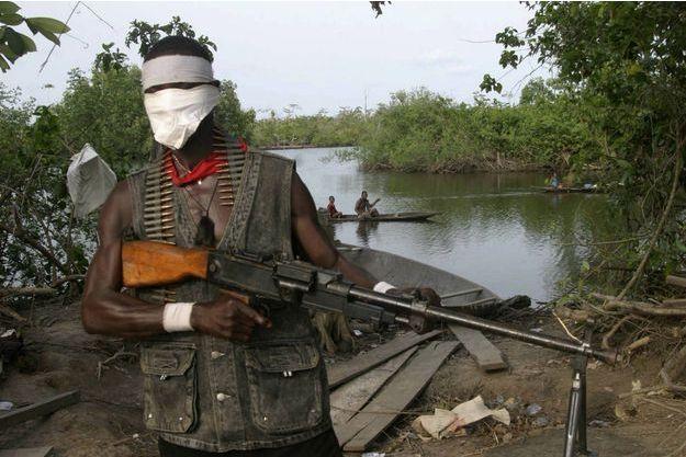 """Créé en février dernier, les """"Delta Niger Avengers"""" veulent frapper monnaie et hisser leur drapeau sur le Sud Est du Nigeria en octobre 2016"""