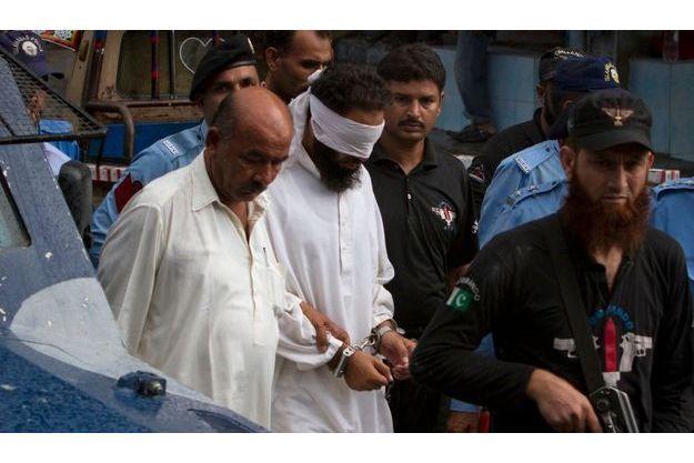 Khalil Jadoon Chishti, l'imam qui a accusé Rimsha, avant sa présentation au juge, le 2 septembre dernier.