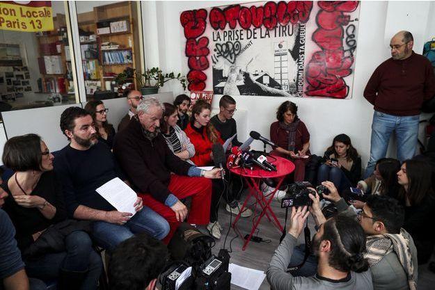 """Les membres du collectif """"Les 34 de la Pitié"""", samedi, lors de leur conférence de presse."""