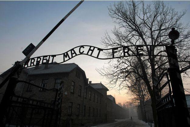 Entrée du camp d'extermination Auschwitz