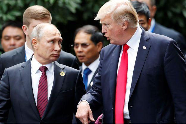 Donald Trump et Vladimir Poutine, en novembre 2017, au Vietnam.