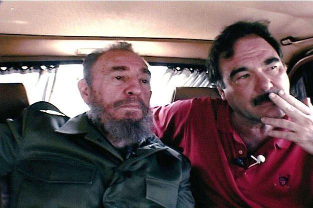 """Fidel Castro et Olivier Stone lors du tournage du film """"Commandante""""."""