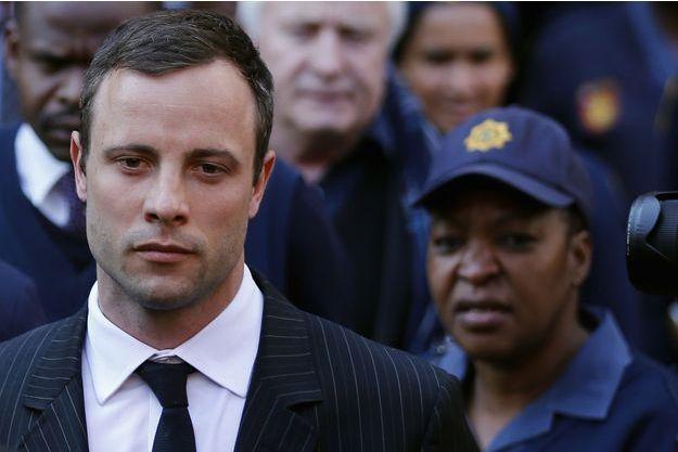 Oscar Pistorius quittant le tribunal de Pretoria, le 8 août dernier.