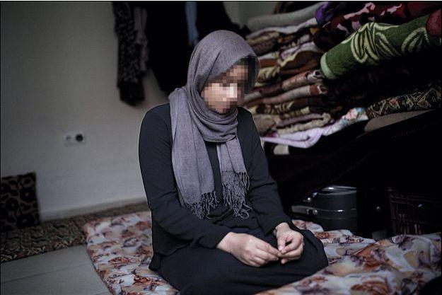 Samira, jeune yézidie qui vient d'échapper à Daech.
