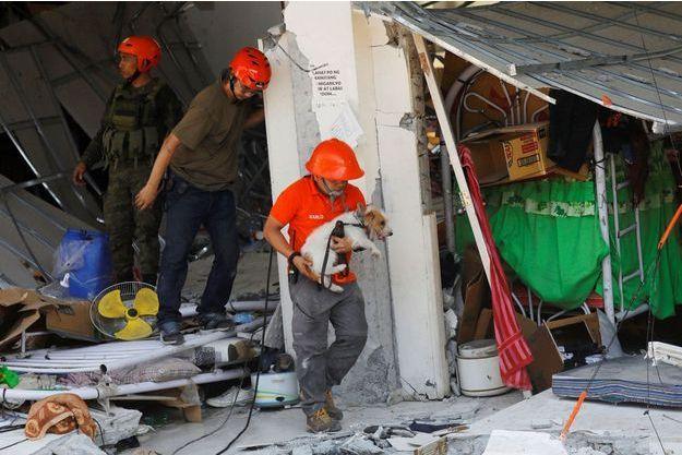Le séisme a fait au moins 11 morts aux Philippines.