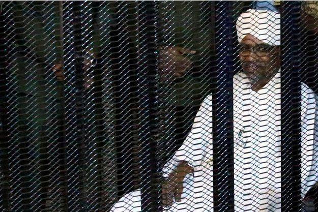Soudan : de l'argent saoudien au coeur des débats à l'ouverture du procès Béchir